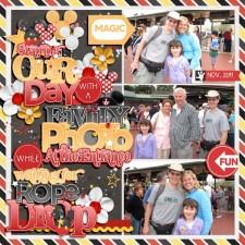 web-2011_11_08-Disney-World-Magic-Kingdom-Rope-Drop.jpg